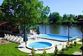 Körös-parti nyaralók, kiadó medencés, jakuzzis nyaralóházak