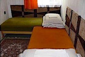 Kiadó 2-3 ágyas szobák Zamárdiban, közvetlenül a víznél