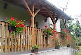 Pihenjen a Bükkben a Dóra vendégházban Kácson a patak mellett