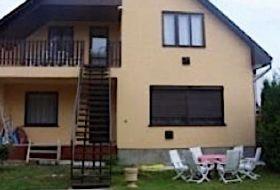 Szép kártya elfogadó önálló balatoni ház Balatonföldvár Kőröshegyen