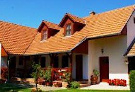 Egész évben, önálló 2 ágyas szobákkal várjuk önt és barátait Tó strandtól 300mre Abádszalókon