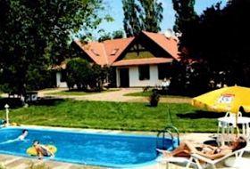 Körösparti vendégház gondozott vízpart két horgászhely és motorcsónak