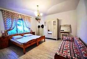 Balatonlellén Kiadó Ház az élményfürdős Strandtól és Főtértől 400m-re