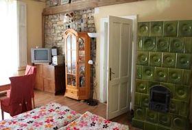 Mediterrán hangulatú kőházban romantikus nyaralás a Balatonhoz közel