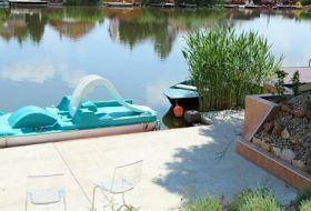 Jakkuzi, medence, 14 férőhely a Körös partján