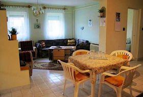Kiskunmajsán pihenési lehetőség nyugodt környezetben kis ház kiadó