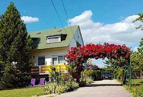 Csopakon 6 fős apartman külön bejárattal 1000m-re a strandtól
