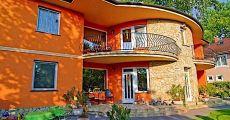 Siófon az Ezüstparton igényesen berendezett apartmanok kiadó a Balatontól 30m-re