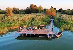 Vízparti 3db apartmanlakás Balatonmárián saját csónak stég