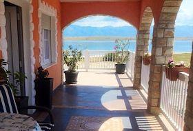 Horvátországi Vir-szigeten 4 fős apartmanok a tengertől 25m-re