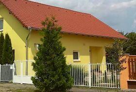 Napsugár Vendégház Szilvásvárad központjában