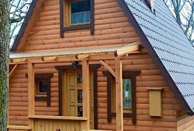 Házunk 6 vendég számára nyújt kényelmes elhelyezést erdei környezetben