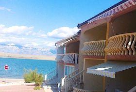 Horvátország Vir szigetén közvetlen tengerparti apartmanok kiadók